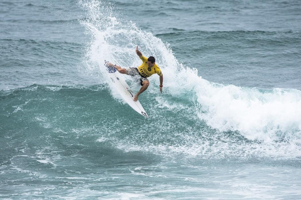 Circuito Mundial De Surf : Gony zubizarreta se clasifica de en el circuito mundial