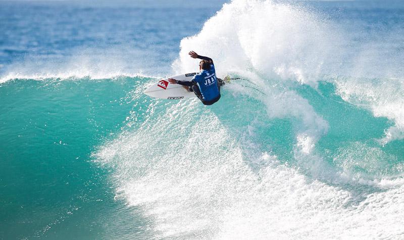 Aritz Aranburu Se Clasifica Para El WCT En Hawaii, ART SURF CAMP