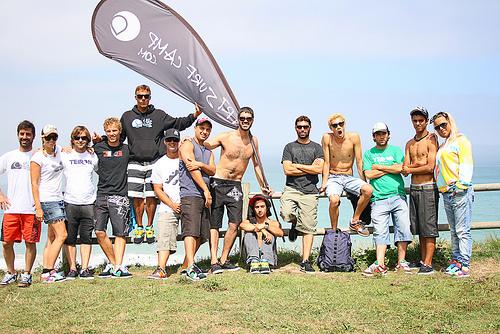 Monitores En Acción En Art Surf Camp En La Playa De Razo, Galicia