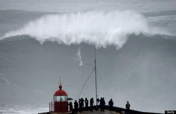 SURF-POR-BRA--BIG WAVE