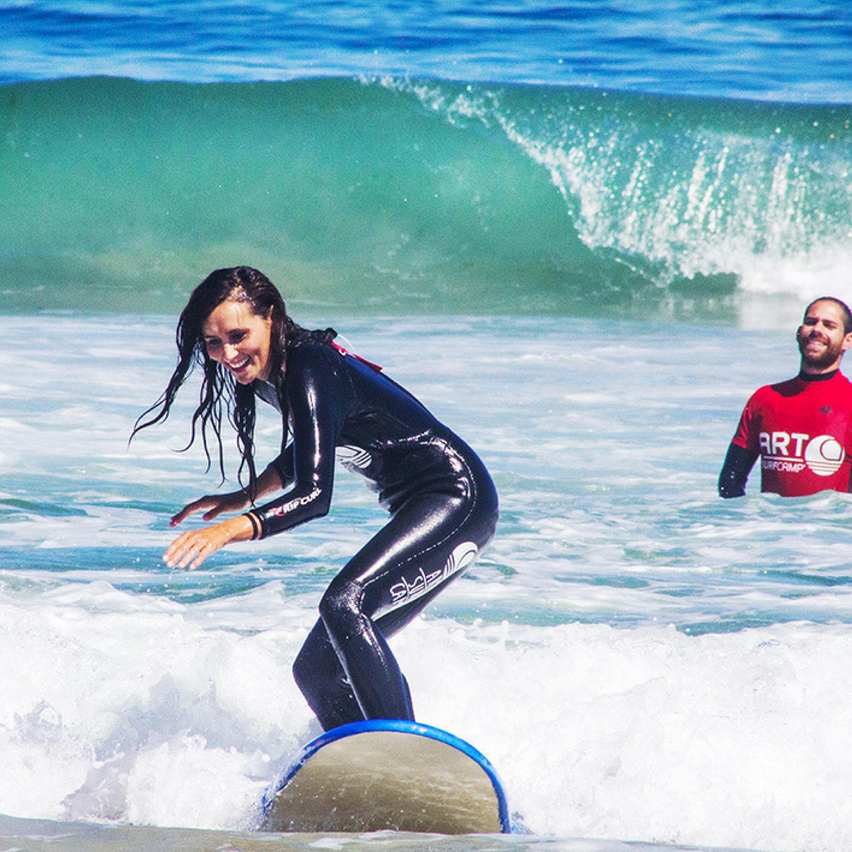 Llega Agosto y Con Él Los Surf Camps Para Adultos