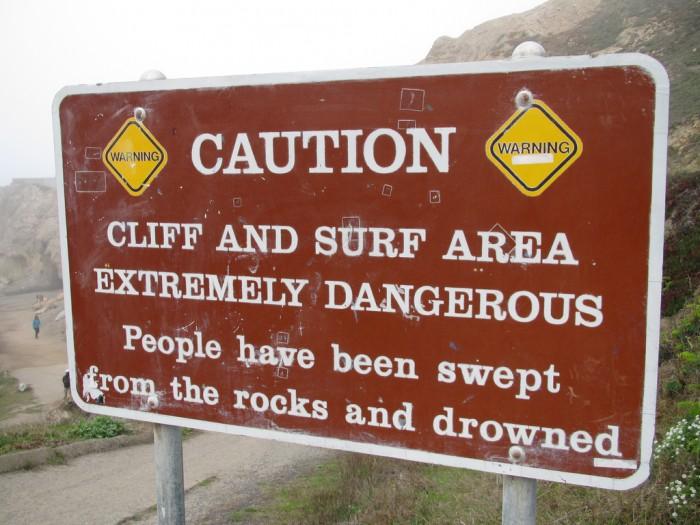 Surf dangerous spot