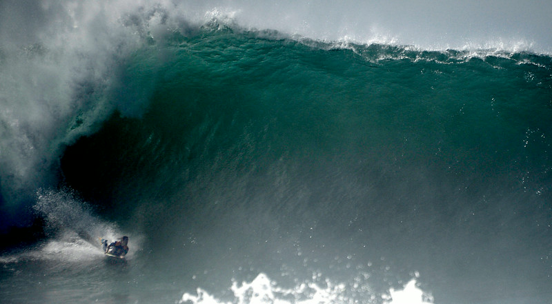 Surfeando Un Swell Huracanado En The Wedge