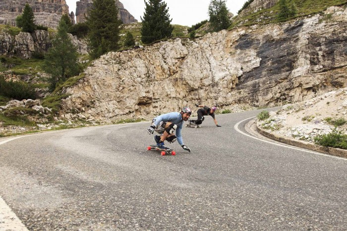 downhill-longboarders-riding-in-the-italian-alps