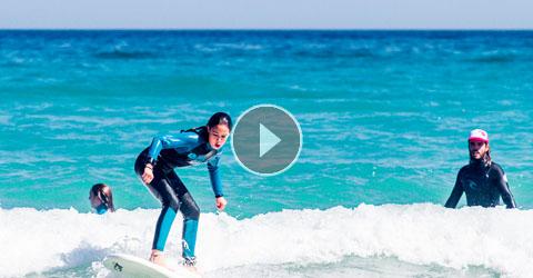 Puesta En Pie Perfecta En La Tabla De Surf