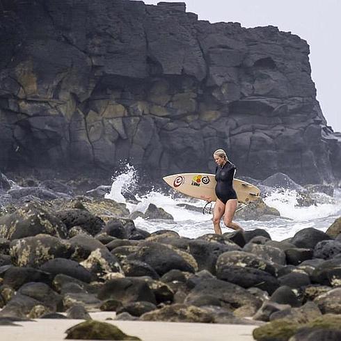 Bethany Hamilton surfea embarazada