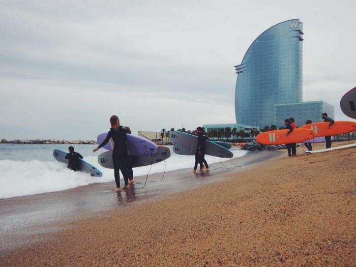 Cursos de surf de invierno barcelona - Artsurfcamp