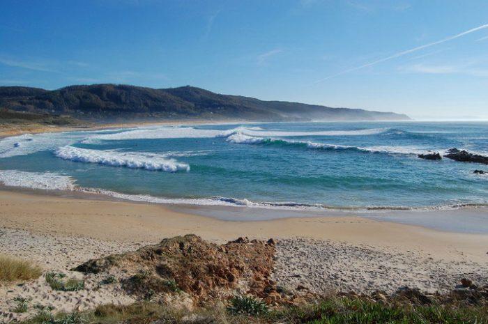 Playas para surfear en Galicia. Doniños