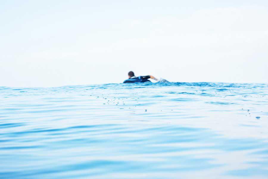 La Guardia De Costas Escocesa Encuentra a Un Surfista Que Estuvo Solo En El Mar Más De 30 Horas