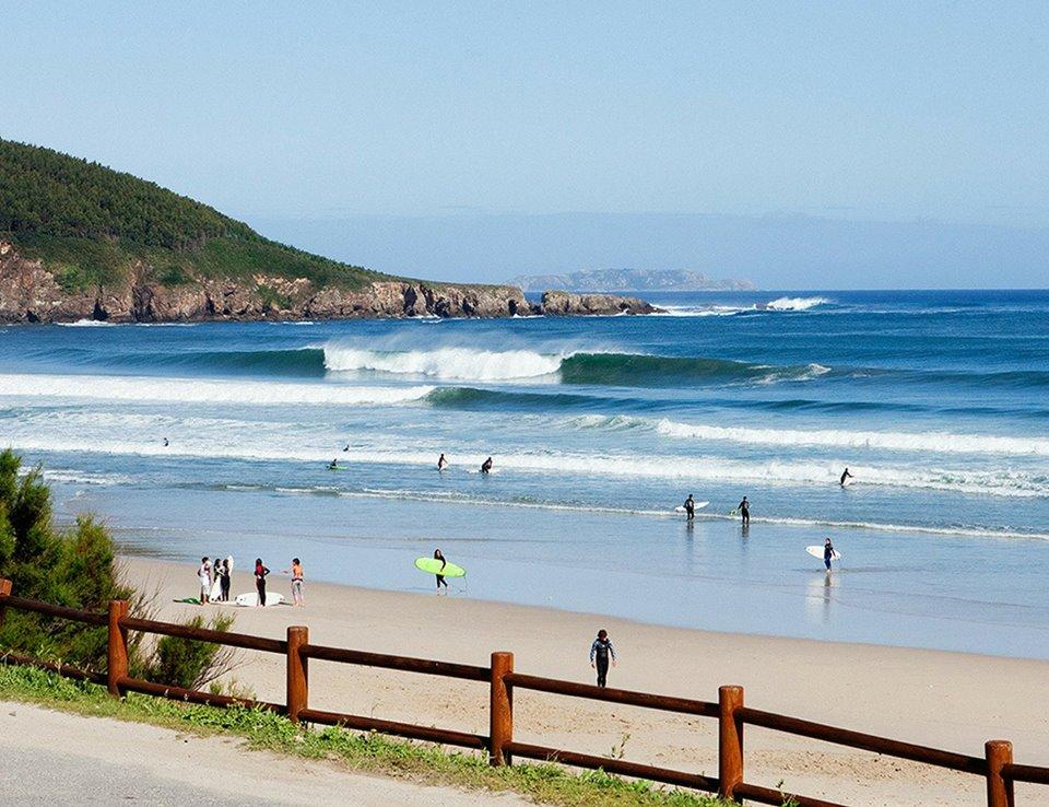 Los Mejores Surf Camps De España: Cómo Diferenciarlos