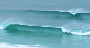 olas perfectas playa razo carballo galicia costa da morte turismo