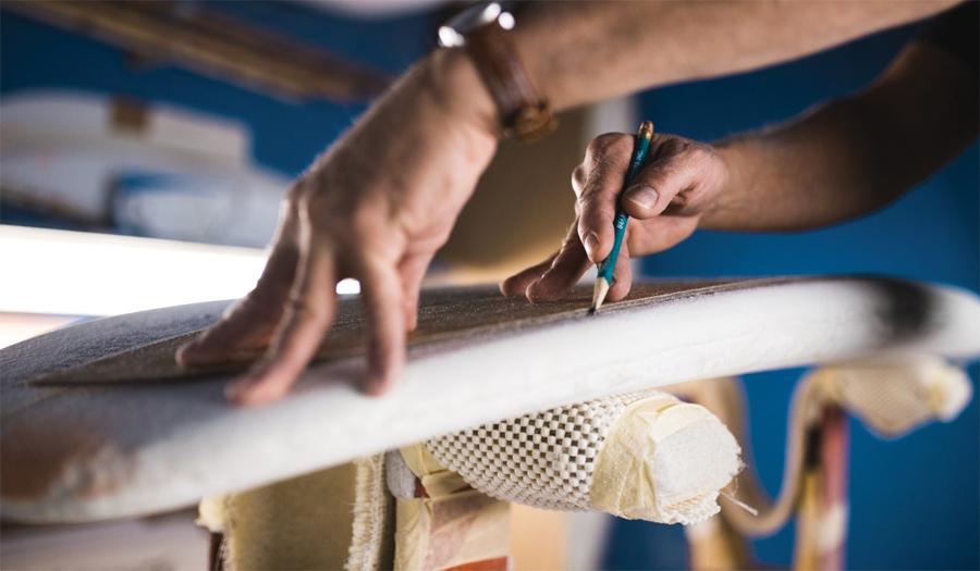 Cómo Hacer Una Tabla De Surf Casera y Qué Materiales Usar